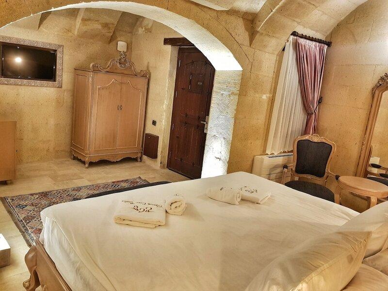 Elysion Cave Suites