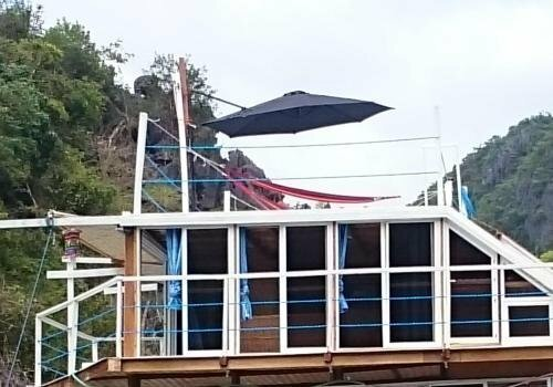 Paolyn Floating House Restaurant