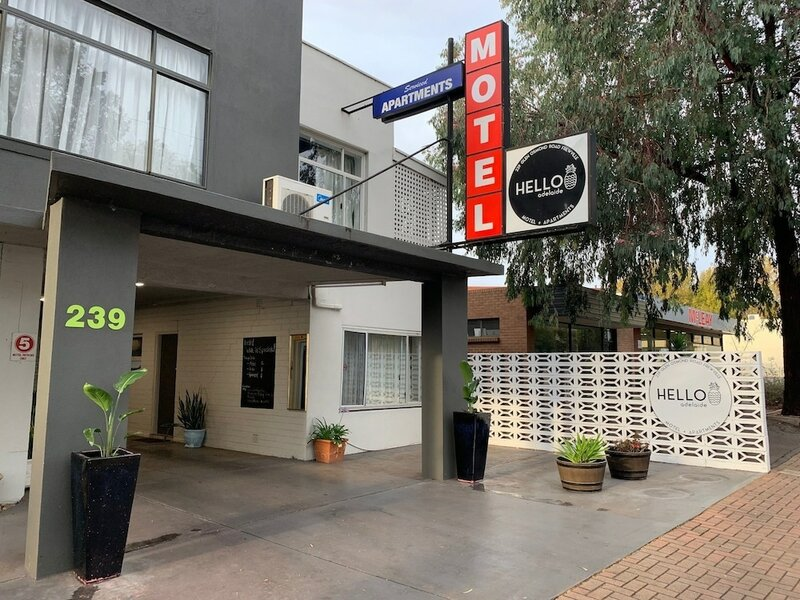 Hello Adelaide Motel and Apartments