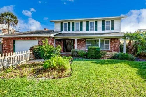 3690 S Fletcher - 4 Br Cottage