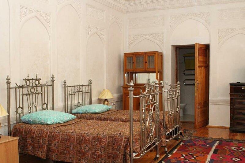 Emir Travel