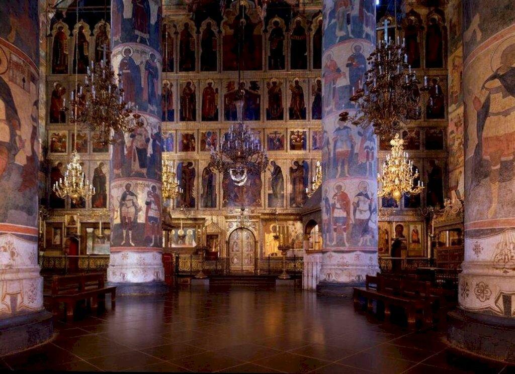 хороший частный картинки успенский собор московского кремля внутри описание