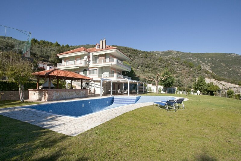 Spacious villa at Ilia Edipsou