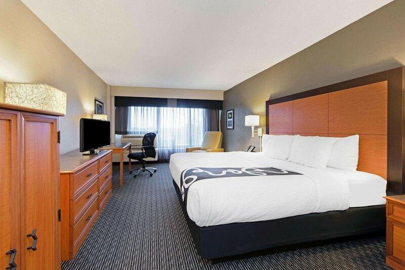 La Quinta Inn & Suites by Wyndham New Orleans Airport