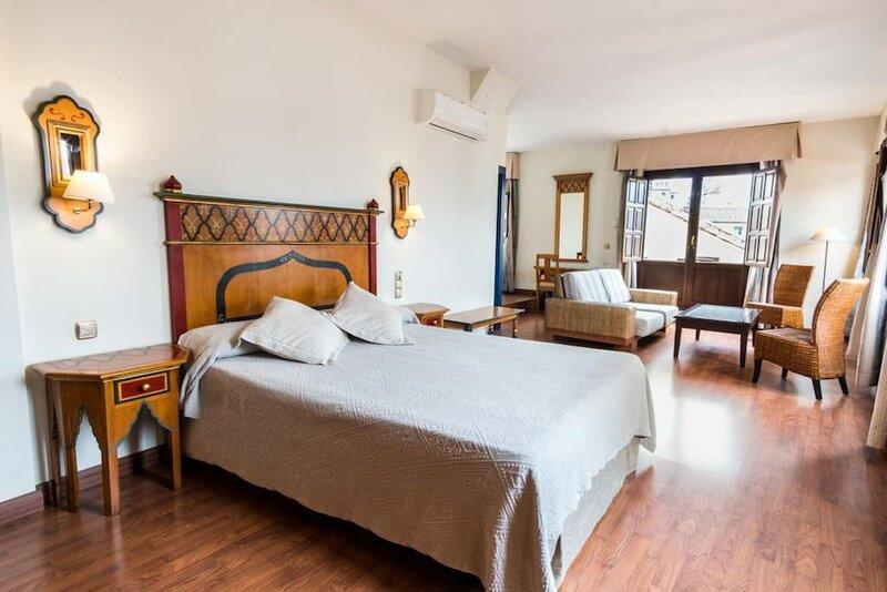 Cozy Apartment in Great Location 2 Bd. Plaza Nueva II