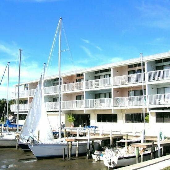 Cedar Cove Beach And Yacht Club