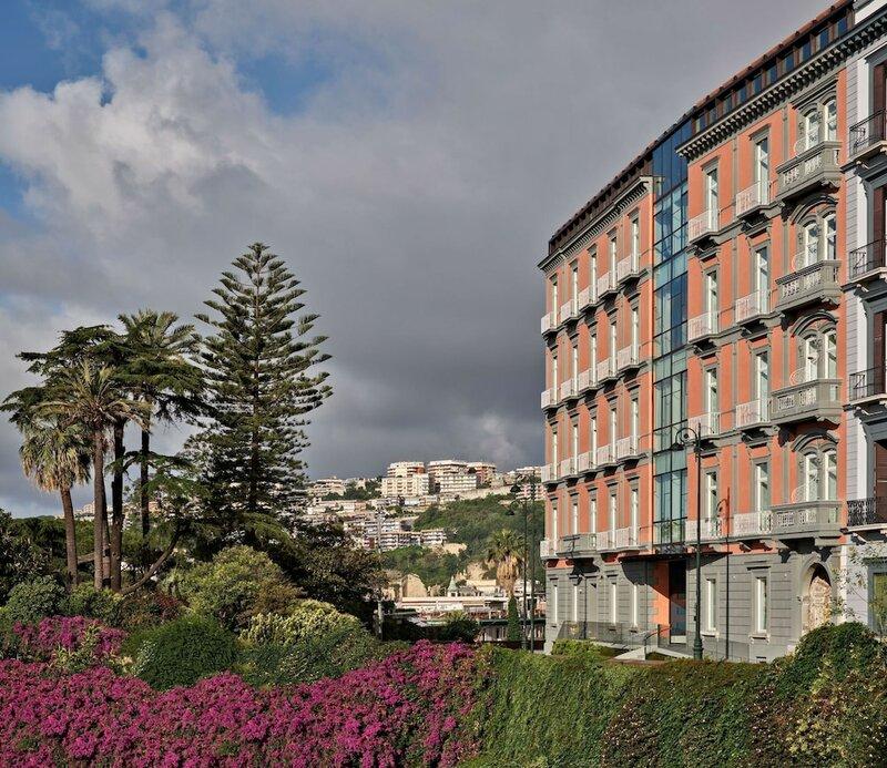 The Britannique Hotel Naples, Curio Collection by Hilton