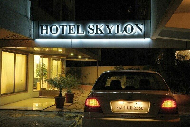Отель Skylon