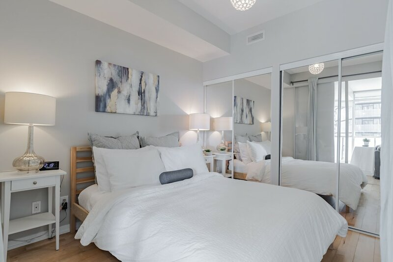 Sterling Suites - Financial District