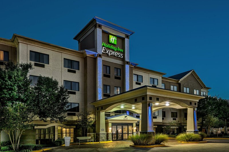 Holiday Inn Express Hotel & Suites Fort Worth