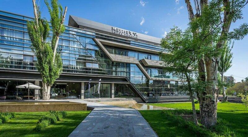 Мессиер 53 отель Ереван