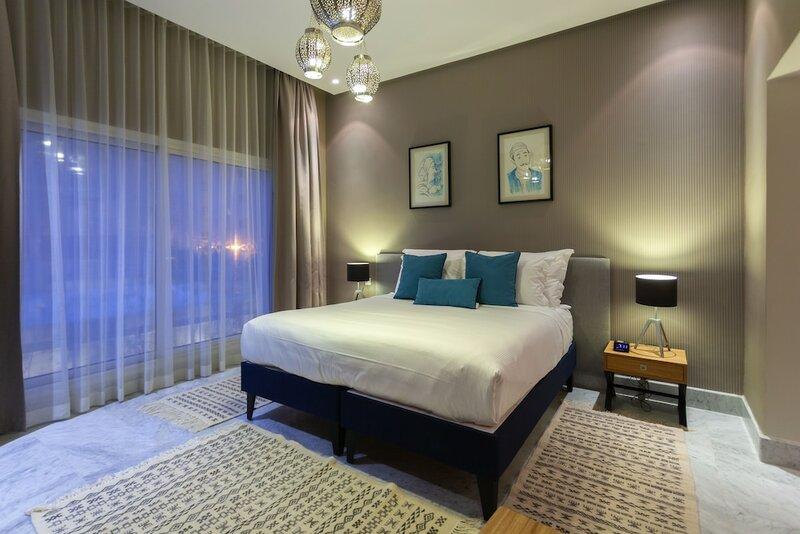 Adam Hotel Suites