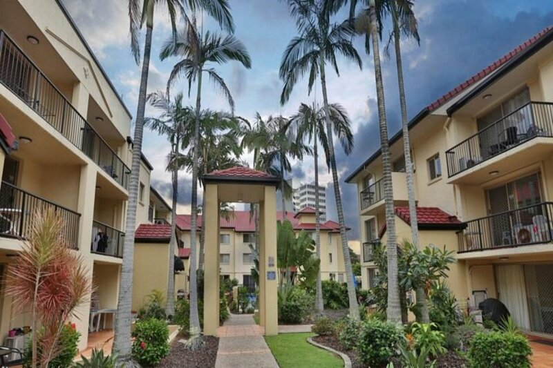 Holiday Resort Apts in Surfers Paradise