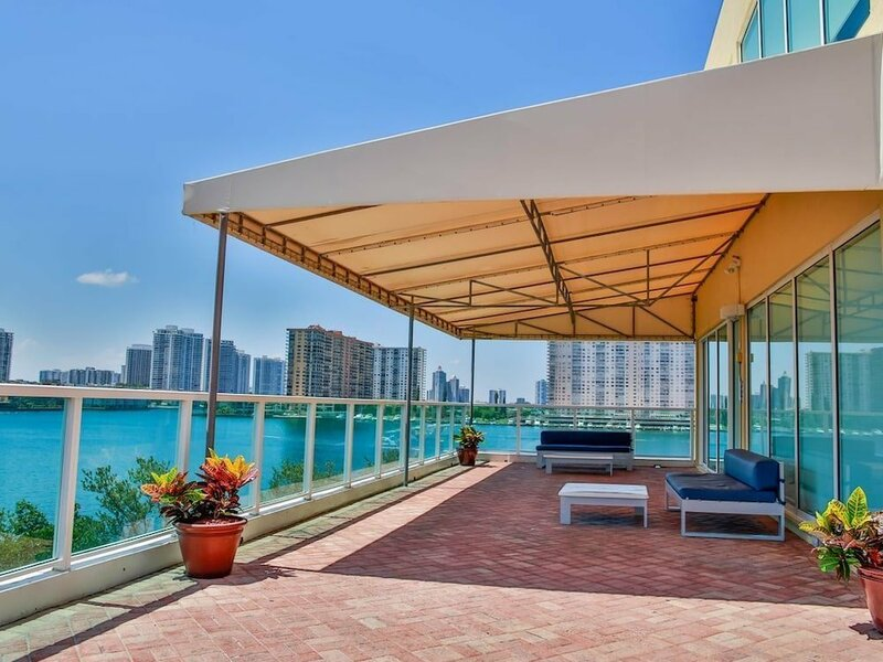 3-Bedroom Sunny Isles Apartments with Marina View