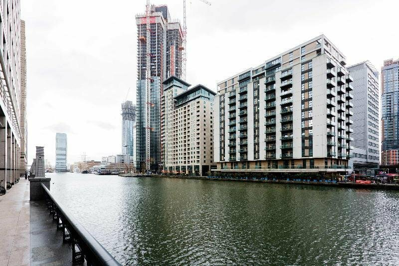 Discovery Dock Apartments East by Oyo Rooms
