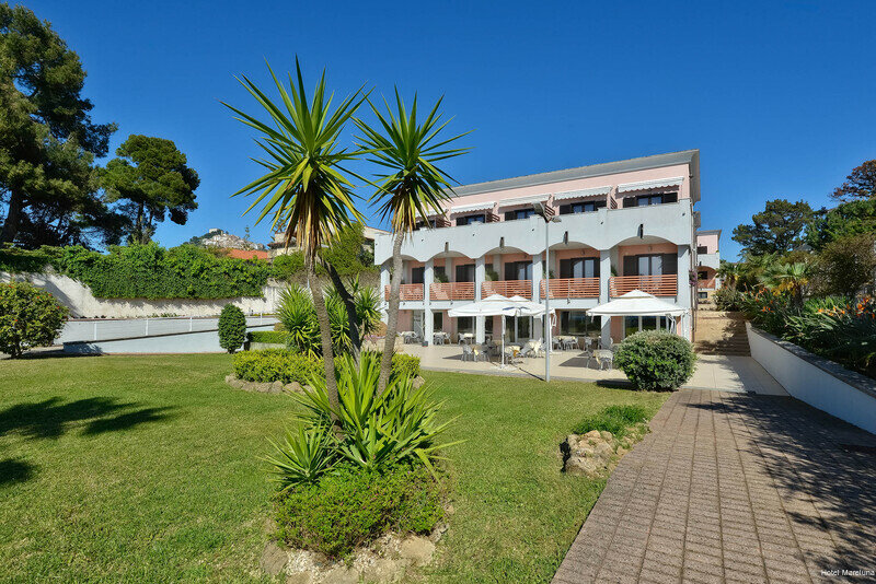 Hotel Mareluna