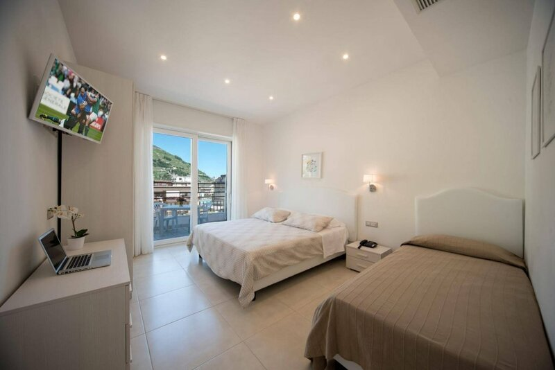 Santa Tecla Apartments
