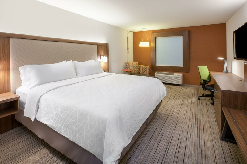 Holiday Inn Express & Suites Dayton North, an Ihg Hotel