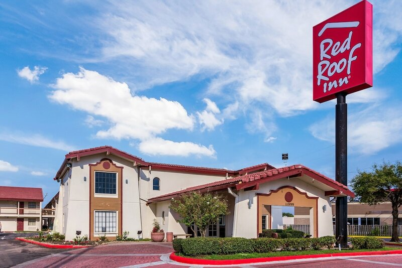 Red Roof Inn Houston East - I-10