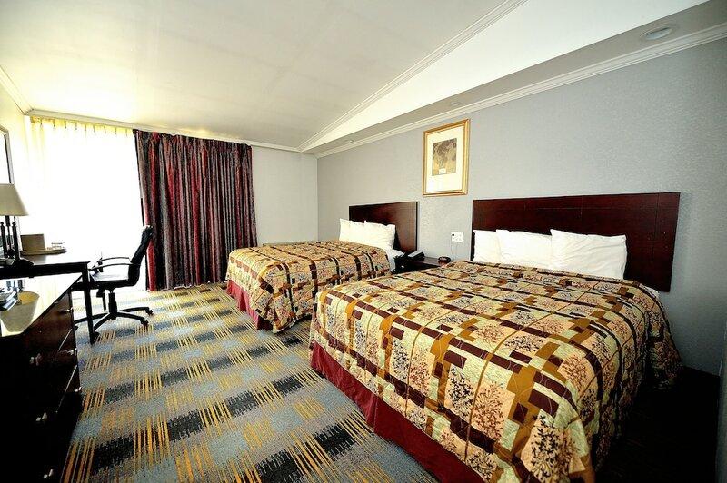 Riverview Inn & Suites