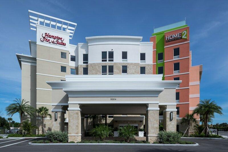 Hampton Inn & Suites Cape Canaveral Cruise Port
