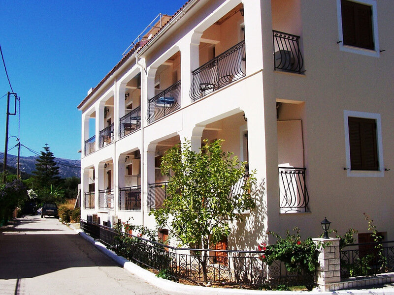 Alexatos Studios & Apartments