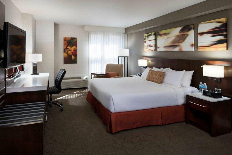 Grand Suites Grand Okanagan by KelownaGo