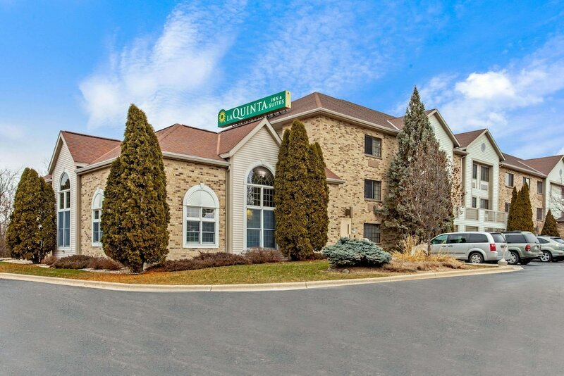 La Quinta Inn & Suites by Wyndham Milwaukee Delafield