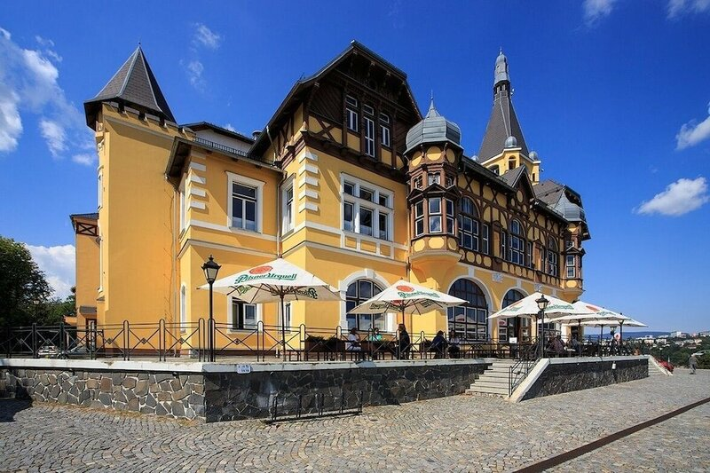Vetruše Hotel Restaurant