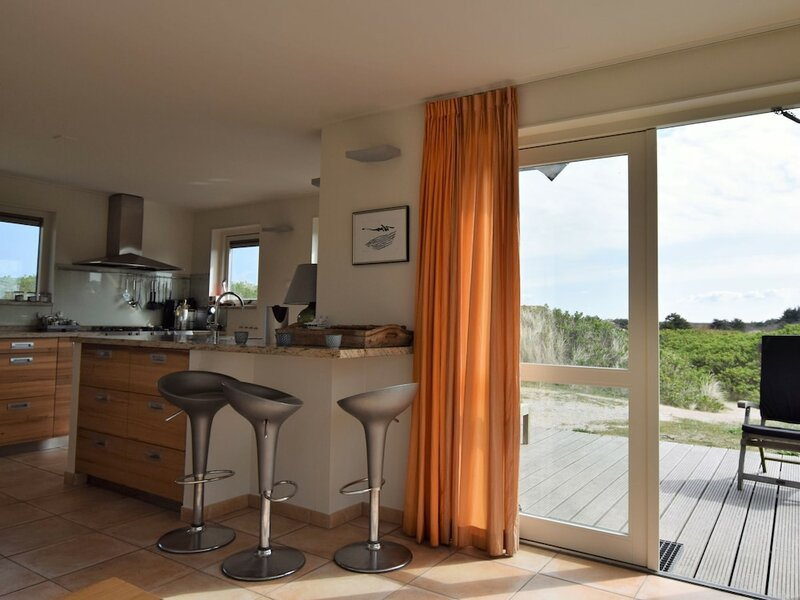 Dune Villa With Sauna on the Island of Vlieland, Near the Woods and sea