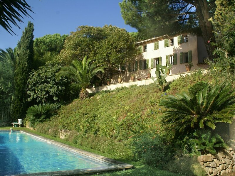 Elegant 18th Century Villa in Cannes With Private Pool and Seaview