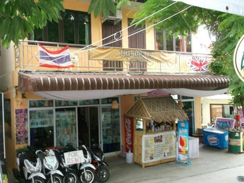 The Zoo Bar Hostel