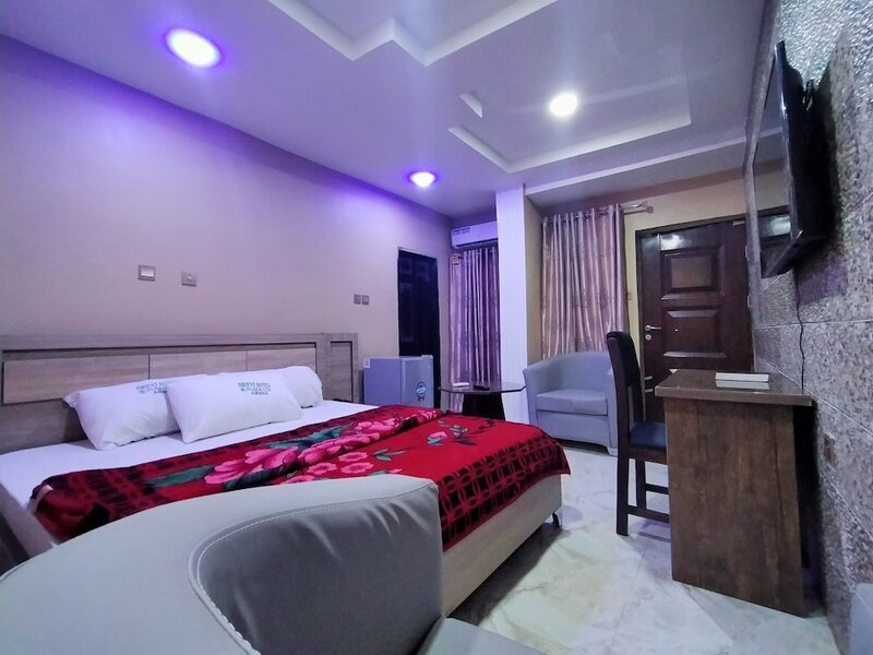 Orient Hotel & Plaza Ltd