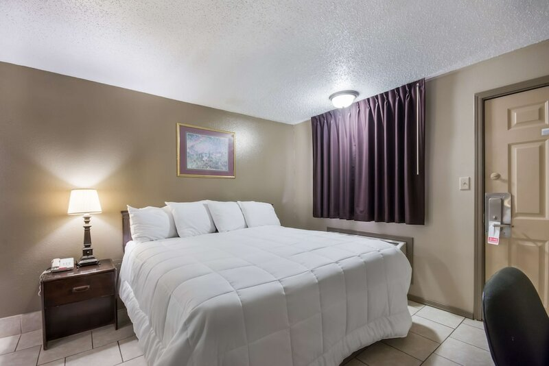 Americas Best Value Inn Woodward at 8th St