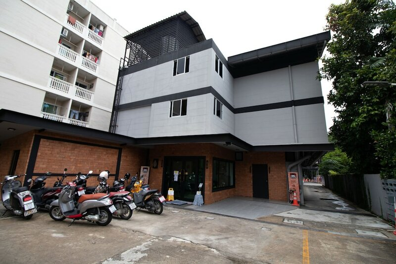 The 168 Gallery Residence