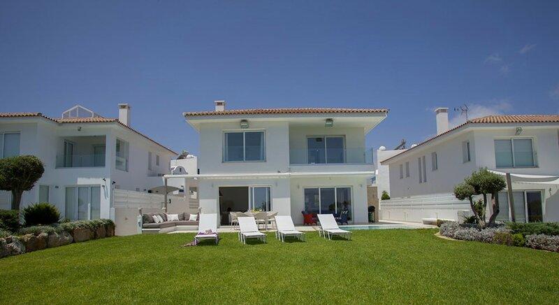 Villa Scarlet