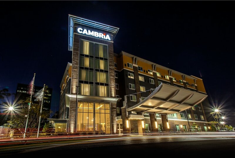 Cambria Hotel And Suites Lax