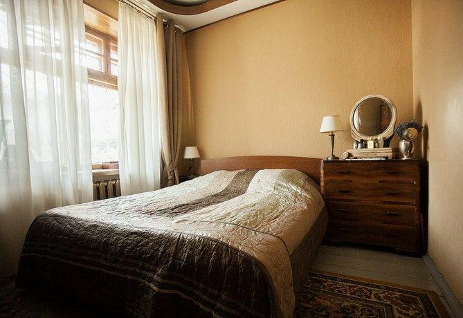 Na Bolshoj Bronnoj 8 Apartments