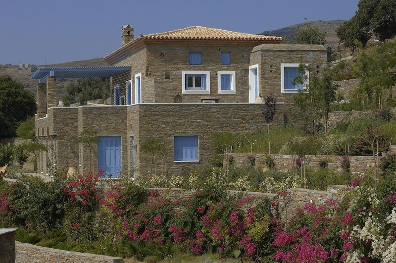 Luxury Villa by The Beach by VillaRentalsgr