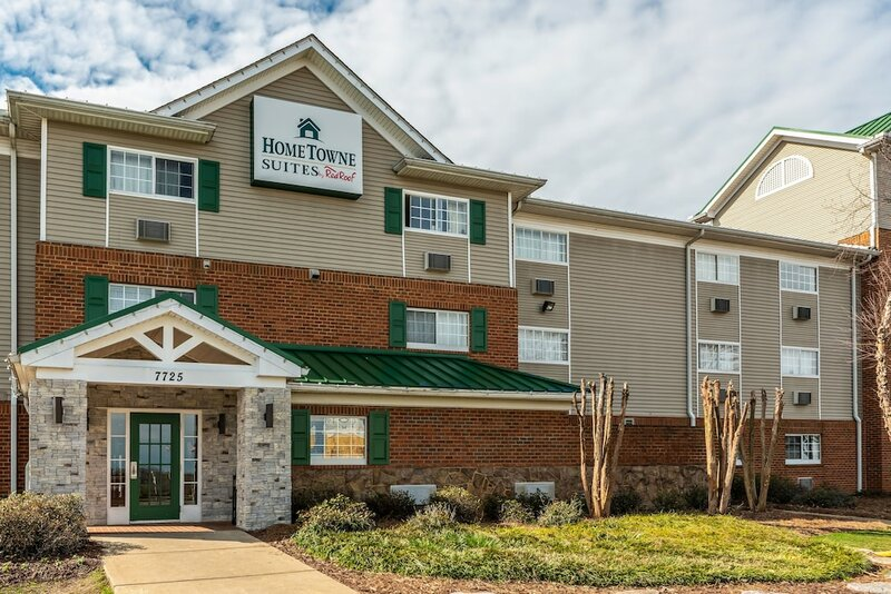 HomeTowne Studios & Suites by Red Roof Charlotte - Concord