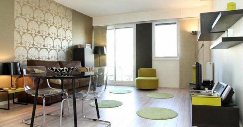 Studio Champs-Elysees