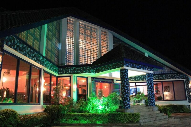 Azure Boutique Resort, Oceanview Restaurant And Grand Panoramic Hall For Banquets & Meetings