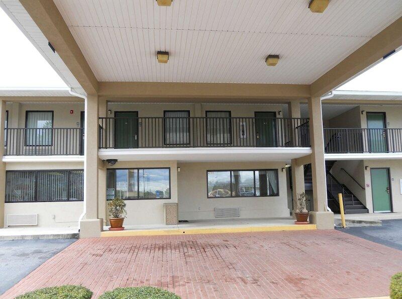 Americas Best Inn & Suites - Decatur/Atlanta