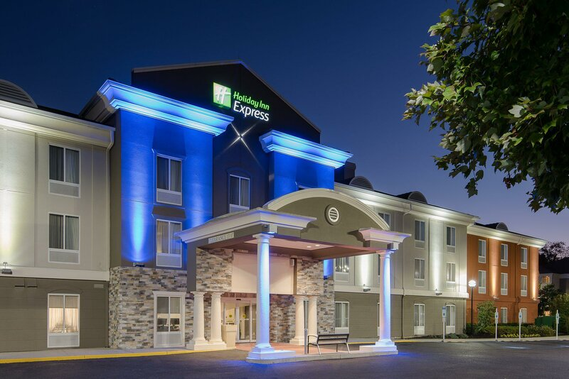 Holiday Inn Express & Suites Mt. Laurel Voorhees