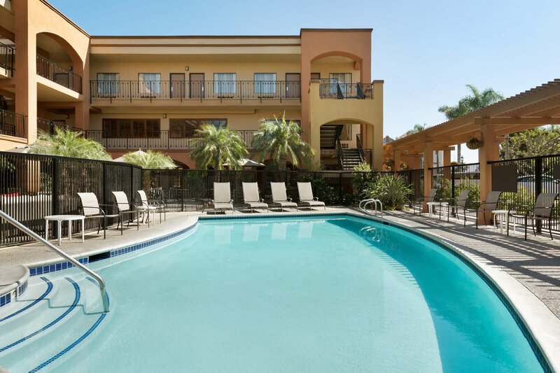 Country Inn & Suites by Carlson John Wayne Airport