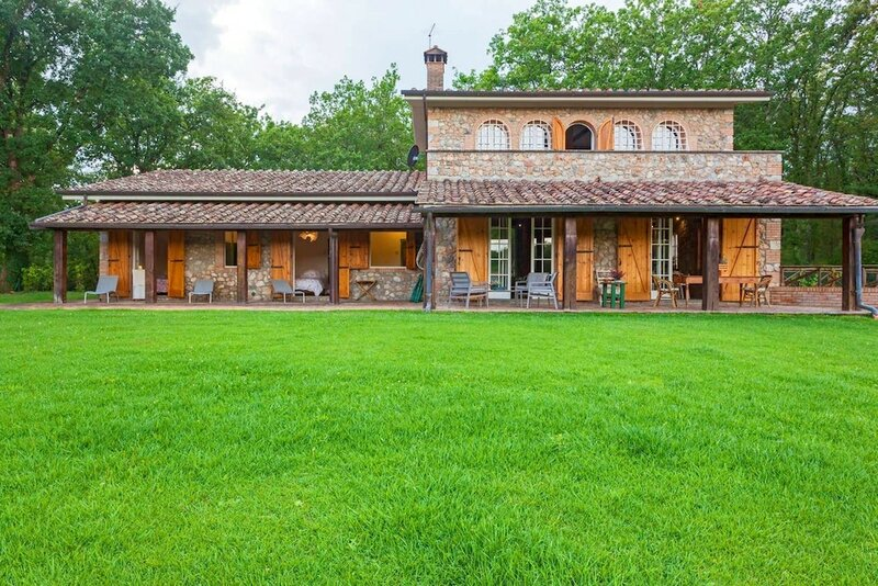 Villa With 4 Bedrooms in Provincia di Siena, With Private Pool, Enclosed Garden and Wifi - 80 km From the Beach