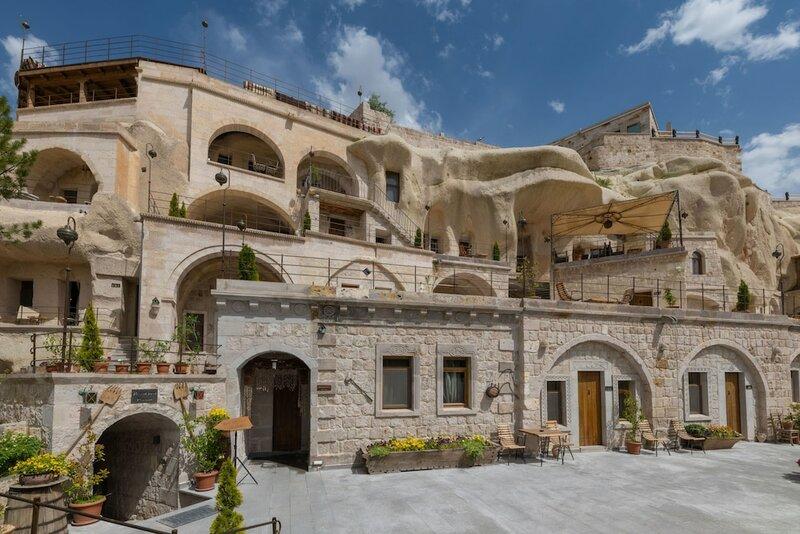 Отель Hera Cave Suites
