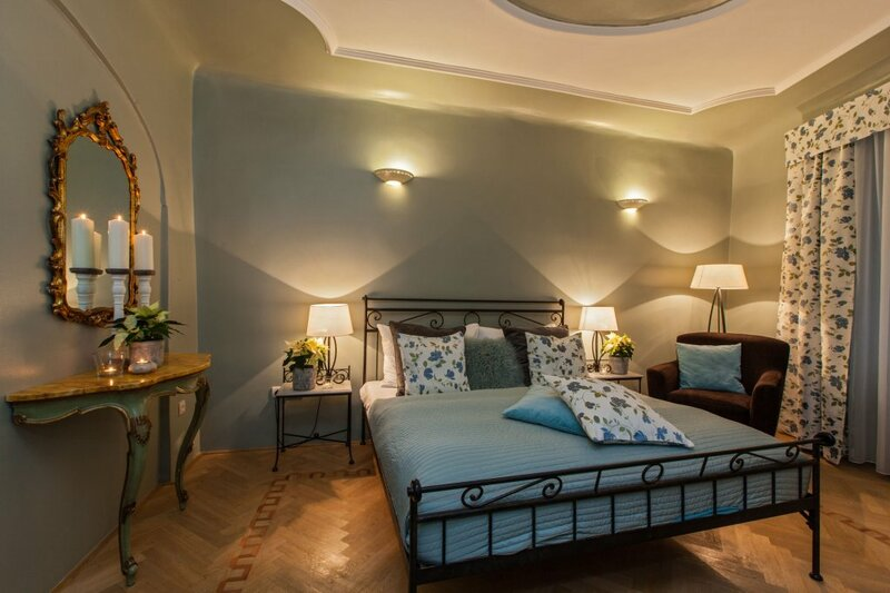 Hotel At The Black Star Charming Romantic Suites and Apartments