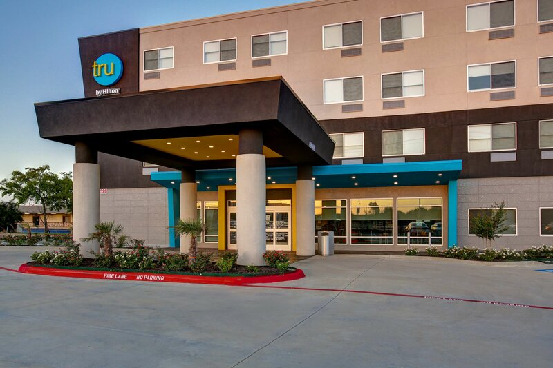 Tru by Hilton Grand Prairie