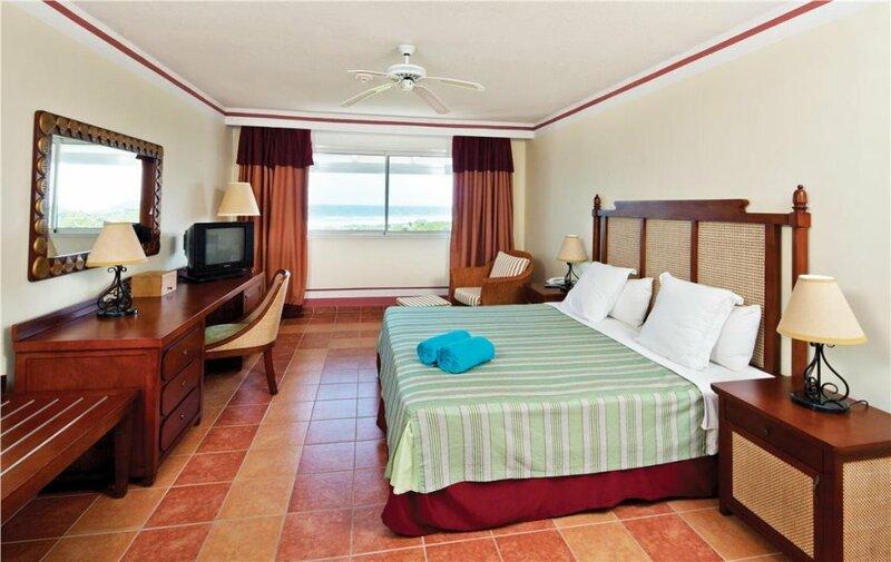 Memories Paraiso Azul Beach Resort